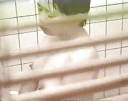 Hornyagent lyhyt tyttö saa munaa fake lipuntarkastajan