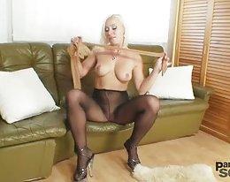 19 yo tyttö masturboi katsomassa 50 yo mies