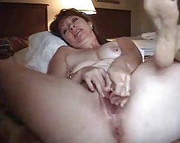 seksikäs täti kävelee--joi