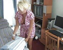 Huijaaminen blondi milf nauttia hänen 1 bbc