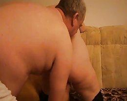 Pullea Saksan amatööri perseestä kuuma ja niellä