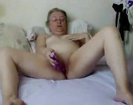 Valtavia tissi gootti teini Beverly Paige rakastaa karkea vitun